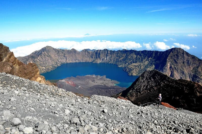Hiking up Rinjani