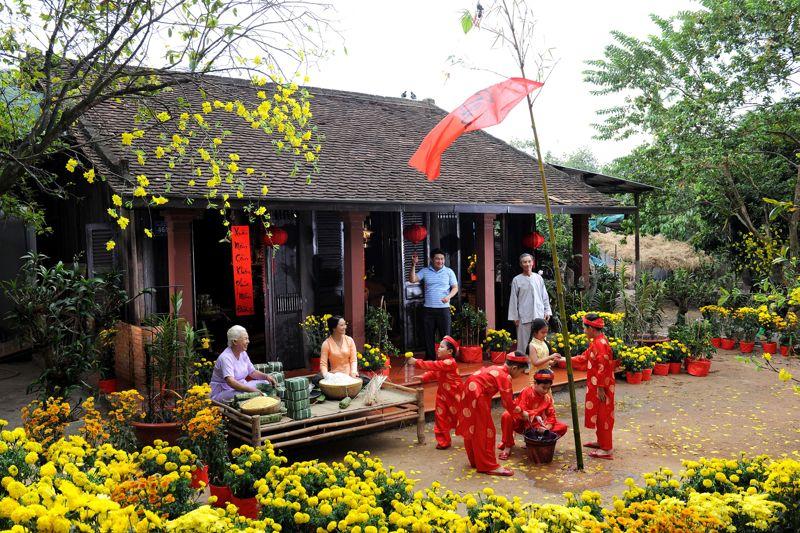People celebrating Tết Nguyen Dan in Vietnam